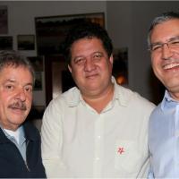 Ex-presidente Lula e ministro Padilha cumprimentam Leme e declaram apoio ao prefeito Paulo Blascke