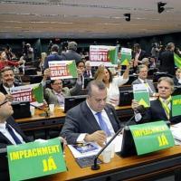 Governo e oposição tentam captar aliados para votação do impeachment no plenário