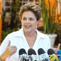 Dilma sanciona lei que garante mais recursos para educação e saúde