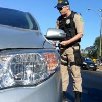 No 1º mês da lei do farol, 17 mil são multados