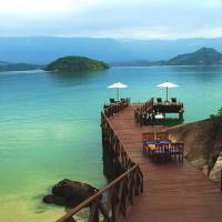 Angra dos reis (RJ) tem praia isolada com belezas naturais
