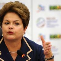 Dilma volta a defender Programa Mais Médicos
